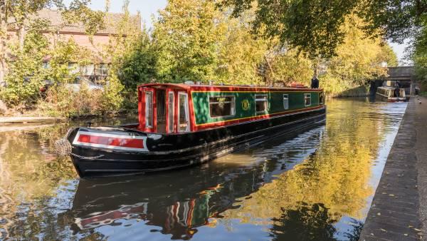 Canal Boat Hire | Narrow Boat Hire | Boating Holidays | ABC Boat Hire
